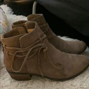 Real Suede Leather Splendid Rhoda Booties 6.5